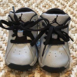 Baby Jordan's size 4